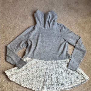 Woman's long sleeve sweater